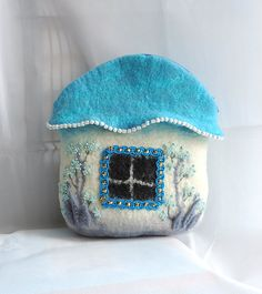 Handmade felted pouch  You can use for cosmetic or anything else (yarn for example)  zipper closure  House • 20 x 17 cm