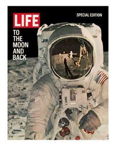 To the Moon and Back, Reflections on Astronauts Facemask, August 11, 1969 Reproduction photographique sur papier de qualité