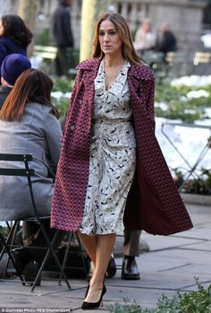 Sarah Jessica Parker braved Manhattan's snowy 40-degree weather in heels on the Bryant Park set of HBO's Divorce on Tuesday (2-02-2016)