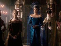Ravenna (Sharlize Theron) O caçador e a rainha do gelo, figurino, vestido azul, velório