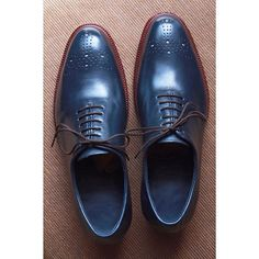 Shall I save some of these blue #leather and make a pair for me? #castezermili #shoemaker #bespokeshoes #bespoke #shoes #wholecut #uniqueshoes #uniquestyle #welldressed #MTM #MTO #mywork #craftsmanship #crafts #style #stylish #leathershoes #leathercraft #schuh #mensstyle #menswear #mensshoes #mensfootwear #shoeporn #shoeaddiction #shoegame #zapatos #artesanal #artsy