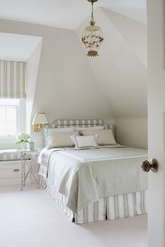 Pale Oak Benjamin Moore.Anne Hepfer Designs.