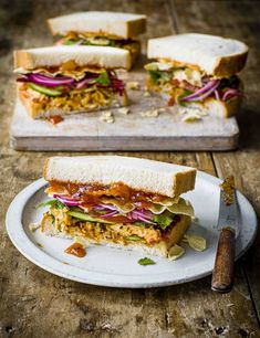 A classic coronation sarnie taken up a notch. Spices, garlic and ginger bump up the flavour, along with tangy pickled onions and crunchy poppadoms Best Sandwich Recipes, Chicken Sandwich Recipes, Easy Chicken Recipes, Lunch Recipes, Summer Recipes, Salad Recipes, Sandwich Ideas, Cooking Recipes, Coronation Chicken Sandwich