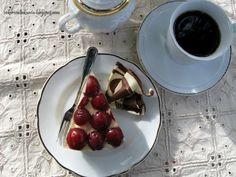 Stracciatella juustokakku, kirsikan kanssa