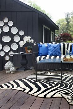 Creating an Outdoor Living Room