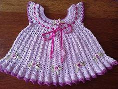 Crochet cute baby dresses  | Found on artescomfios.blogspot.com