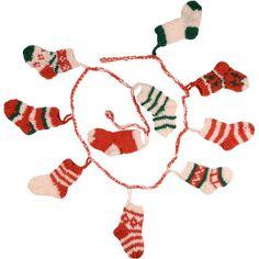 https://www.tenthousandvillages.ca/shop/9747-thickbox/toasty-socks-garland.jpg