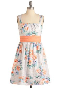I really like the creamsicle orange with the blue here. I think I'm going to have to buy this one!