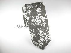 Floral Tie, Gray Floral