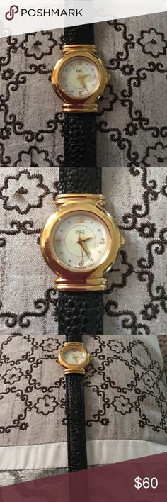 ESQUIRE WATCH COMPANY SWISS QUARTZ WATCH In excellent condition. Leather band, water resistant, stainless steel back. Had a couple years and only worn a dozen times. No scratches or rips. This will need a battery. swiss quartz Accessories Watches