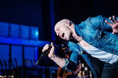 Chris Daughtry leaves it all onstage during a performance on March 24 in Birmingham, England