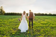 the rustic bride and groom in a field // Kristy Klaassen Photography