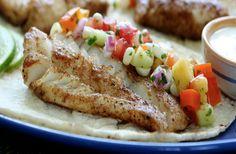 Tacos tendres au poisson servis avec salsa fraîche- Circulon Canada