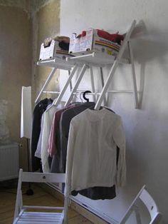 Garderobe aus Ikea-Stühlen
