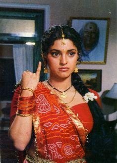 Bollywood Cinema, Bollywood Stars, Bollywood Fashion, Bollywood Actress Hot Photos, Bollywood Celebrities, Juhi Chawla, Indian Goddess, Vintage Bollywood, Indian Movies
