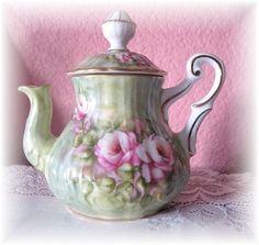 Adorable tea pot