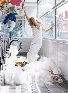 Rosie Huntington-Whiteley's Laundromat Romp in 'Vogue' Mexico Looks Familiar