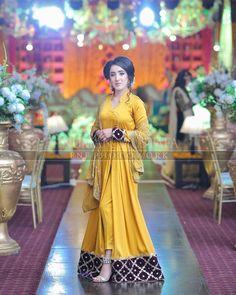 Order contact my WhatsApp number 7874133176 Pakistani Fancy Dresses, Pakistani Fashion Party Wear, Pakistani Wedding Outfits, Pakistani Wedding Dresses, Pakistani Dress Design, Bridal Outfits, Latest Dress Design, Fancy Dress Design, Stylish Dress Designs