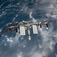The International Space Station has received a 600 Mbps data rate upgrade, according to NASA, enabling astronauts and control centers on Earth to communicate at Cosmos, Science Fiction, Nasa Iss, Nasa Missions, Air Space, International Space Station, Earth From Space, Astrophysics, Space Travel