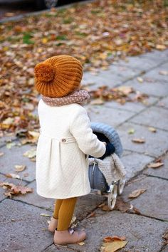 LAST AUTUMN Vivi & Oli-Baby fashion life - I'll love you forever, I'll like you for always, As long as I'm living my baby you'll be. Little Girl Fashion, My Little Girl, My Baby Girl, Toddler Fashion, Fashion Kids, Autumn Fashion, Fashion Clothes, Baby Girl Coat, Trendy Fashion