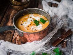 Intialainen garam masala-porkkana-bataattikeitto (V) – Viimeistä Murua Myöten Chicken Curry, Butter Chicken, Veggie Recipes, Soup Recipes, Vegetarian Recipes, Cooking Recipes, Healthy Recipes, Veggie Food, Garam Masala