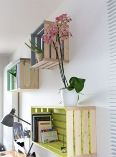 DIY furniture: ideas and suggestions that can inspire you - DIY Möbel - Wood Crate Shelves, Wood Crates, Small Furniture, Diy Furniture, Crate Decor, Diy Home Crafts, Wooden Diy, Diy Wood, Contemporary Interior