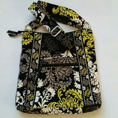 Vera Bradley Crossbody Baroque Pattern Authentic Vera Bradley crossbody purse  Pretty Baroque pattern  Inside has a yellow pattern that is nice and light so you can easily see everything   Adjustable strap so you can also wear it on your shoulder   I love this style since it has lots of pockets to fit a good amount of stuff, but it's not a huge bag (11x11)  Like new Used one time Vera Bradley Bags Crossbody Bags