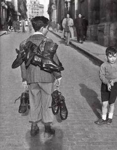 Zapatero.                                                                            Madrid 1955.