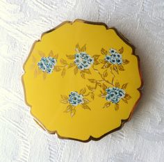 Lovely Vintage Stratton of England Powder Compact | eBay