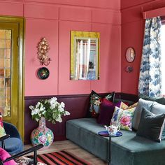 Color of the Year 2016 - PINK / Photo: / fargerike.no / Wall colour: Potpourri Small Space Living, Living Area, Living Spaces, Living Rooms, Wall Colors, Colours, Wallpaper Wall, Eclectic Modern, Interior Decorating