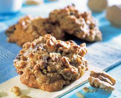 Chewy Pecan Supreme Copycat (like Great American Cookie Company), Desserts, Cookies, Brownies, Bars Great American Cookie Recipe, American Cookies Recipe, Great American Cookie Company, Collin Street Bakery, Nutella, California Walnuts, Walnut Cookies, Pecan Cookies, Pumpkin Cookies