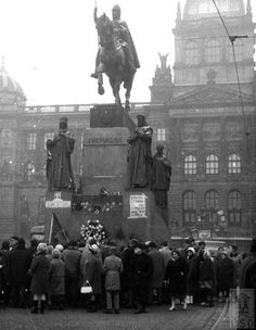 Wenceslas Square in #Prague near the St.Wenceslas monument in 1969 after the funeral of Jan Palach. praguetourguide.tumblr.com