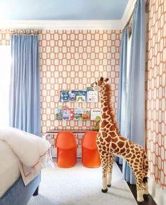 boy room decor or girl room decor, kid room with desk, wallpaper, and giraffe, via Helen Davis Design Whimsical Bedroom, Magical Bedroom, Boys Room Design, Design Girl, Big Girl Rooms, Boy Rooms, Home And Deco, Kids Bedroom, Kids Rooms