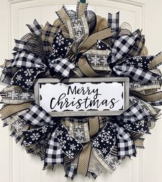 Wreath Crafts, Diy Wreath, Burlap Wreath, Wreath Ideas, Cotton Wreath, Wreath Making, Grapevine Wreath, Christmas Mesh Wreaths, Deco Mesh Wreaths