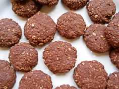 Biscotti con avena e cacao amaro Cacao Amaro, Granola, Cookie Recipes, Muffins, Deserts, Food And Drink, Veggies, Cookies, Chocolate