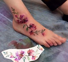 52 Gorgeous Foot Tattoo Design Ideas Small tattoos are cute and lovely. Floral tattoos are always highly popular among women. Last Words Foot tattoos are certainly […] Gorgeous Tattoos, Pretty Tattoos, Unique Tattoos, Small Tattoos, Tiny Tattoo, Anklet Tattoos, Leg Tattoos, Body Art Tattoos, Vine Foot Tattoos