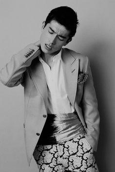Interesting obi belt, blazer and patterned pants - Daisuke Ueda