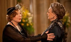Downton Abbey S03:E02: It's survival of the fittest at Downton as family finances may cost them the ancestral home and poor Bates lingers still in jail. (spoiler alert)