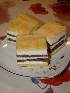 Cristina's world: Prajitura fina - dukan style Points Plus Recipes, No Carb Recipes, Diet Recipes, Vegetarian Cooking, Vegetarian Recipes, Low Carb Desserts, Dessert Recipes, Wheat Belly Recipes, Low Carbohydrate Diet