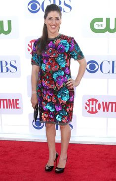 Mayim Bialik and Beverly Hilton Hotel CBS Showtime's CW Summer 2012 Press Tour at the Beverly Hilton Hotel - Arrivals - Pictures) Kissing Scenes, Mayim Bialik, Press Tour, The Beverly, Bikini Pictures, Hot Bikini, New Movies, Peplum Dress, Short Sleeve Dresses