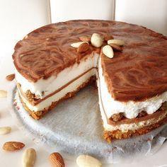Sweet Cinnamon Cheesecake - Oh My Pie! Sugar Free Recipes, Sweet Recipes, Baking Recipes, Cake Recipes, Breakfast Cheesecake, Weigt Watchers, Cinnamon Cheesecake, Baking Bad, Happy Foods