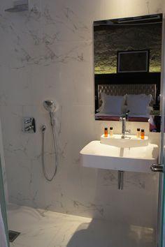 classic with shower Bathroom Lighting, Bathtub, Shower, Mirror, Classic, Furniture, Home Decor, Bathroom Light Fittings, Standing Bath