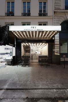 Hotel-esque entrance to a burger restaurant. Paris New-York restaurant by CUT Architectures Beach Canopy, Diy Canopy, Canopy Tent, Hotel Canopy, Window Canopy, Canopy Bedroom, Fabric Canopy, Tree Canopy, Bedrooms