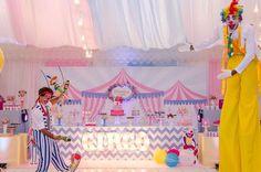 Circo cor de rosa para Marina