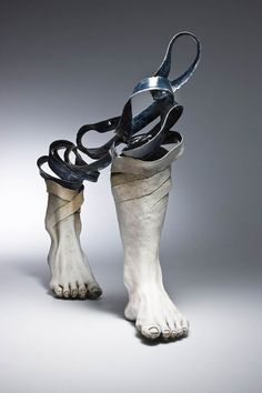 Les magnifiques sculptures en céramique de l'artiste coréenne Haejin Lee, aujourd'hui basée à Vancouver, qui transforme la porcelaine en bandes légères