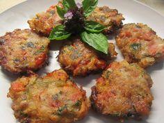 Και …δεν σταματάς να τρώς !!!! Υλικά3 Ντομάτες μεγάλες2 Μεγάλα κρεμμύδιαΛίγο δυόσμοΛίγο βασιλικόΛίγο μαϊντανό1 Κουτ της σούπας ζάχαρηΑλάτι κ πιπέριΑλεύρι π Recipe For Success, Vegan Cake, Greek Recipes, Rustic Kitchen, Tandoori Chicken, Cake Recipes, I Am Awesome, Easy Meals, Food And Drink