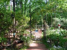 Kathy Hardin's woodsy arbor retreat