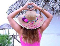 Que tal um Chapéu de praia PERSONALIZADO e super estiloso para curtir as  praias e piscinas ee19b4d8f04