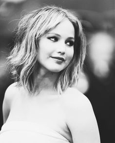I'm in love with her new haircut. Jennifer Lawrence from The Hunger Games. <3