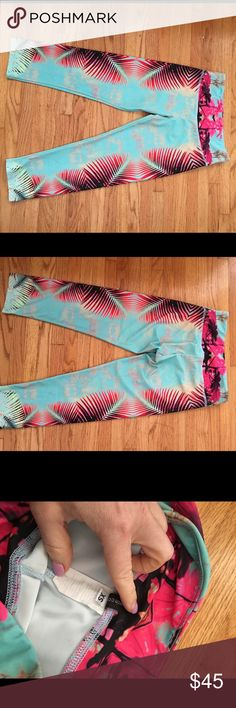 Onzie summer capris, yoga leggings, sz S/xs only worn once for a shoot, beautiful summery short leggings. onzie breathable fabric. fits S and XS Onzie Pants Leggings